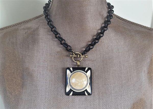 BETTI - Black and Cream Art Deco Necklace