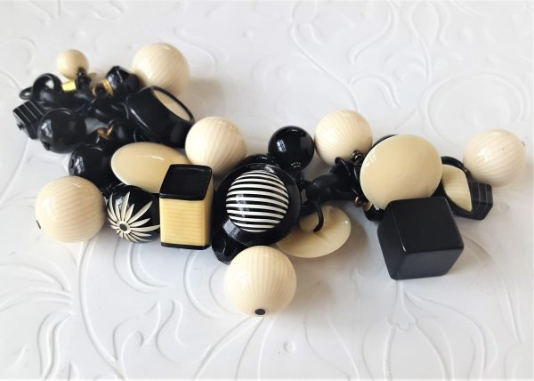 FUN - Art Deco Black and Cream Bracelet