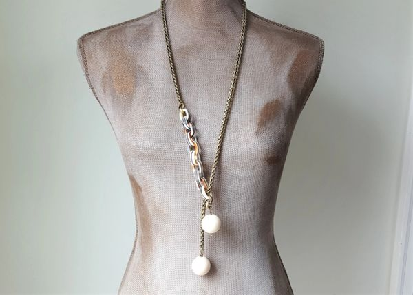 LENU - Bakelite and Lucite Lariat Necklace