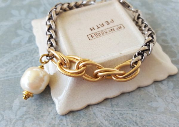 The Mixed Link and Pearl Bracelet