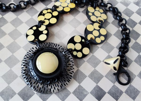 DOT - Retro Polka Dot Bakelite Necklace