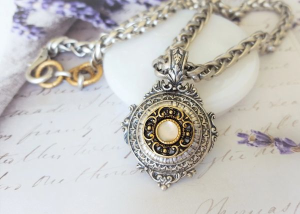 DALE - Ornate Medallion Necklace