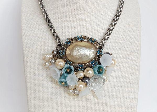 RACHELLE - Pearl Flower Statement Necklace