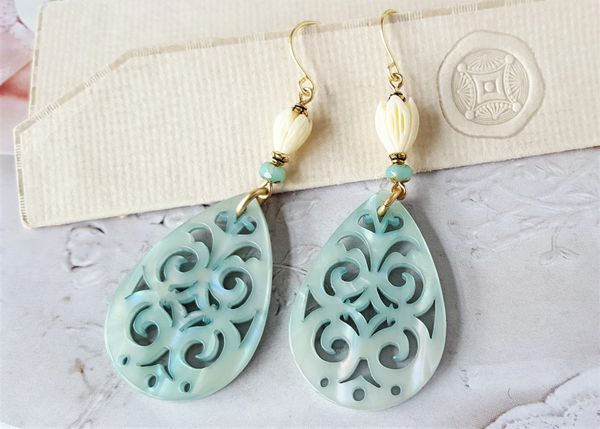 DANA - Aquamarine Lucite Earrings