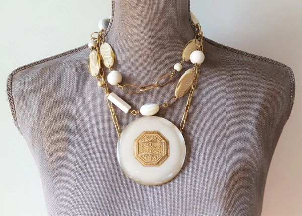 BLONDIE - 2 Piece Lucite Necklace SET