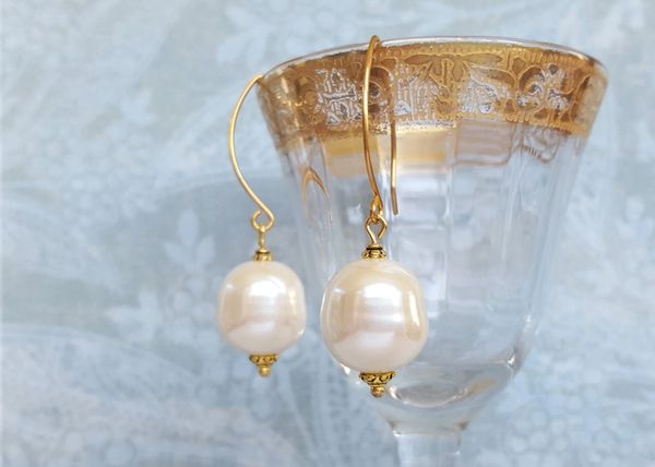 TIMELESS - Classic Baroque Pearl Earring