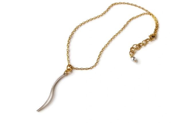 WAVE - Single Curvy Bar Necklace