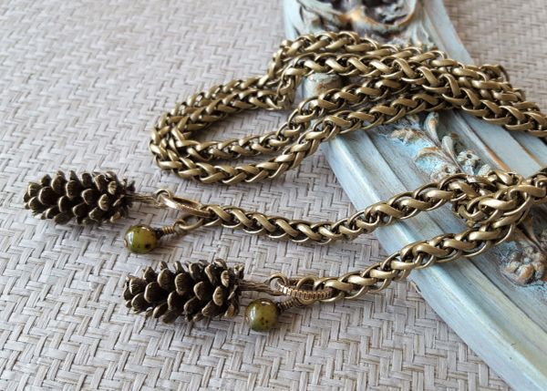 The PINECONE Lariat Necklace