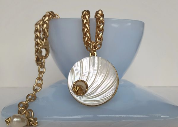 ALIA - carved Mother of Pearl Necklace