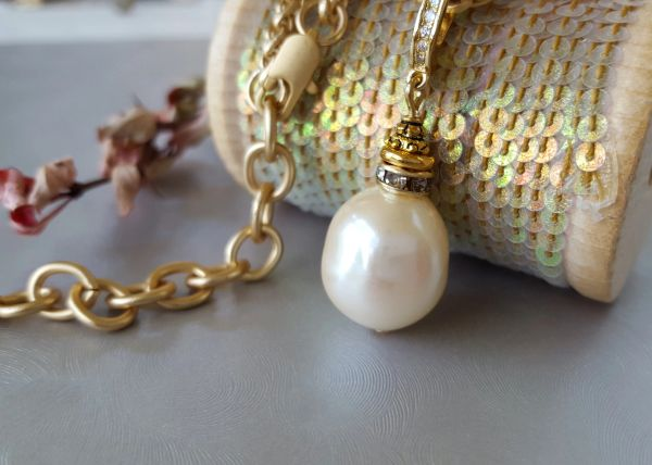 ALICIA - Baroque Pearl Necklace