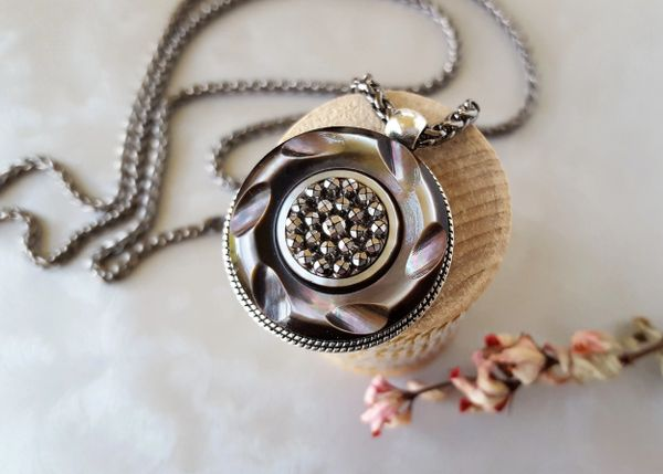 JENNA - Antique Button Necklace, Smokey Pearl