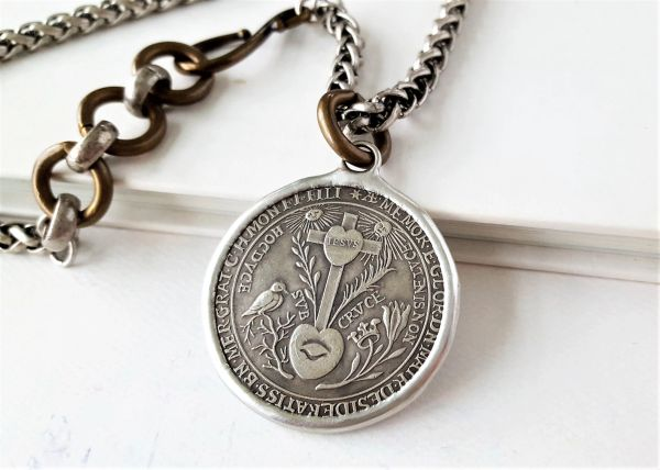 SACRED HEART - Coin Necklace