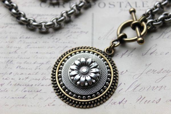DAISY - Silver Sunflower Necklace