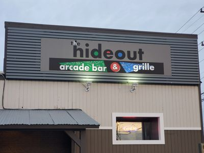hideout arcade bar & grill, arcade bar in rehoboth beach, things to do in rehoboth beach, delaware