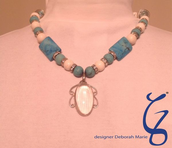 Magnifying Pendent