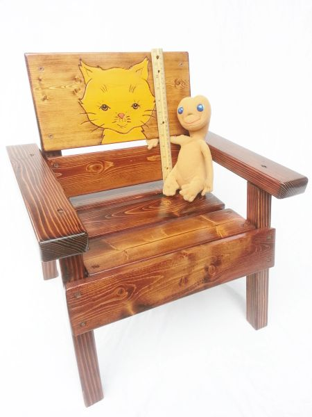Outdoor Chair for Kids Engraved and Painted Cat Design