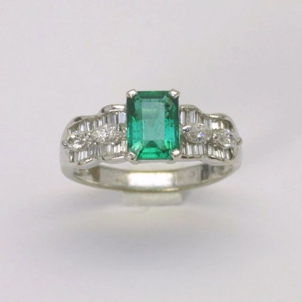 18K W/G Diamond Emerald Ring