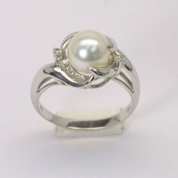 14K W/G Diamond Pearl Ring
