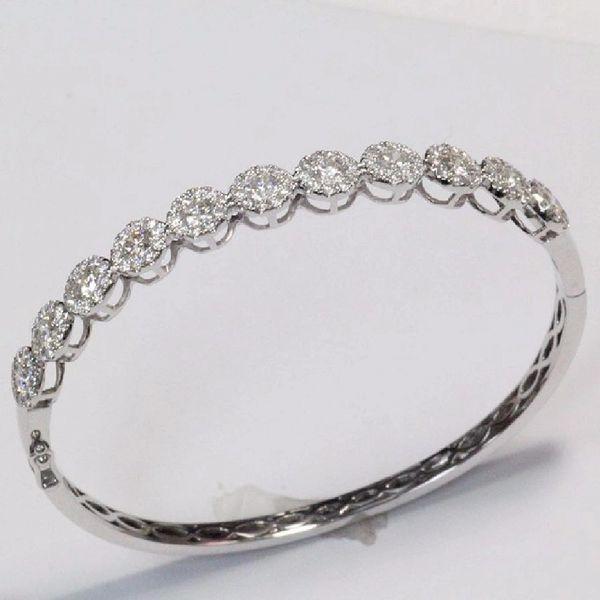 18K W/G Diamond Bangle