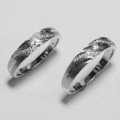 18K W/G Diamond Couple Wedding Rings