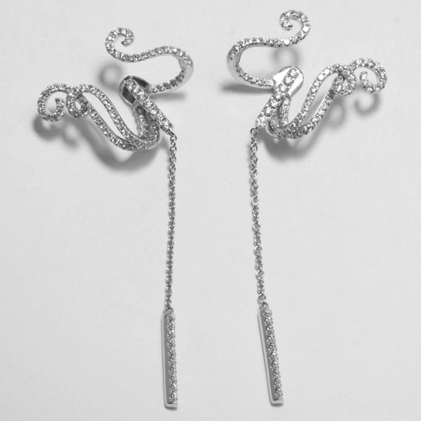 18K White Gold Hanging Diamond Earrings