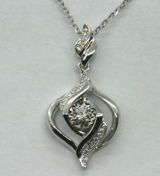 18K White Gold Diamond Pendant 0.082ct