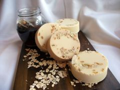 Honeymilk & Oatmeal Round Soap