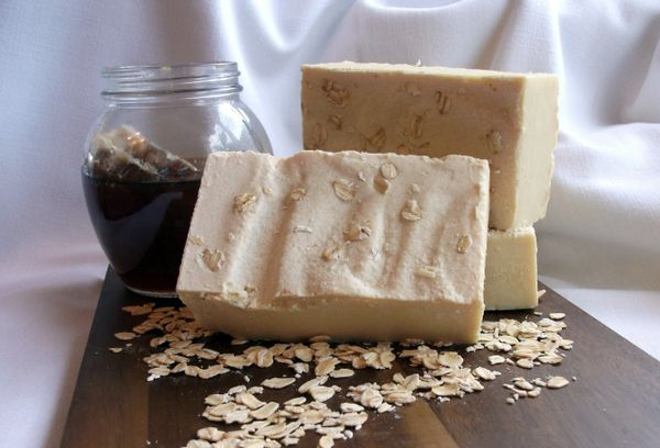 Honeymilk & Oatmeal Soap with Teatree Oil with FREE Shipping! Within USA