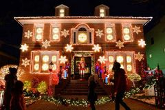 Dyker Heights Holiday Light Tour - Thurs, December 5, 2019