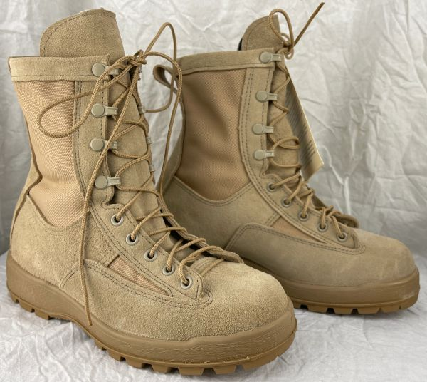 Desert Tan Goretex Army Combat Boots - Temperate Weather - 7.5W - New