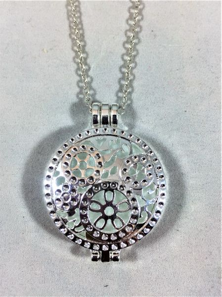 Silver Plated Diffuser Locket/Round Gear Link Necklace
