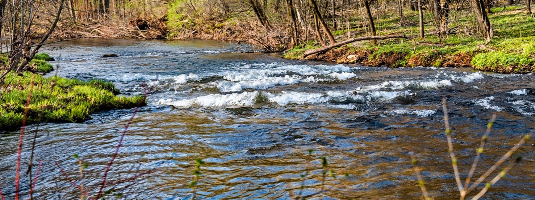 Kinnickinnic River Falls spring flow
