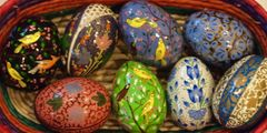 Kashmir eggs - Birds and Flowers