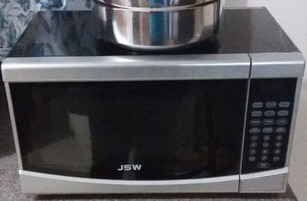 "JSW 1.2"" Microwave Oven"