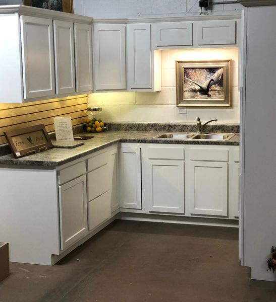 A D White kitchen, All New 19 foot, ( Free Design & Quote.)