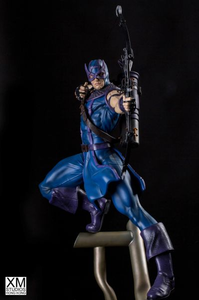 PREMIUM COLLECTIBLES: HAWKEYE STATUE (COMICS VERSION) <Price in HKD>