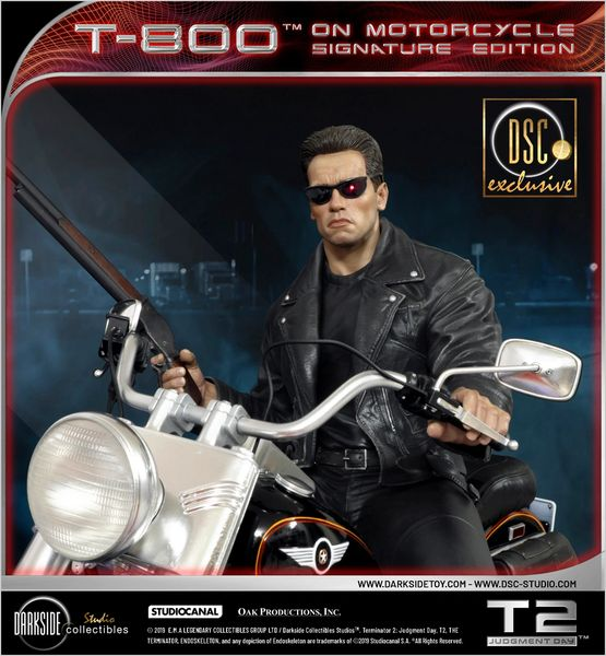 "Exclusive Darkside Collectibles Studio 1/4 TERMINATOR 2 T-800 ON MOTORCYCLE LIMITED ""SIGNATURE"" EDITION (Sold Out))"