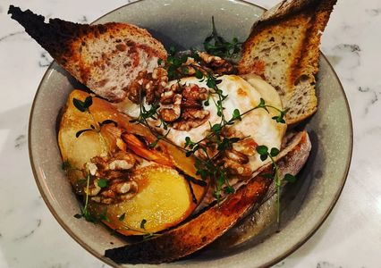 Poached quince, sourdough, sinodun hill goats cheese, walnuts, thyme and honey