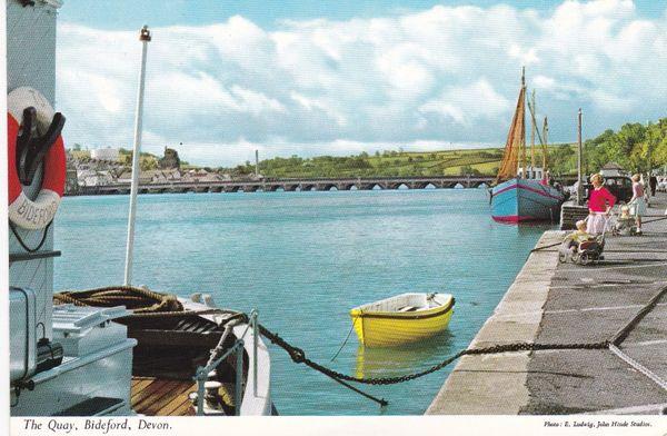 Post Card Devon BIDEFORD The Quay John Hinde 3DC 68