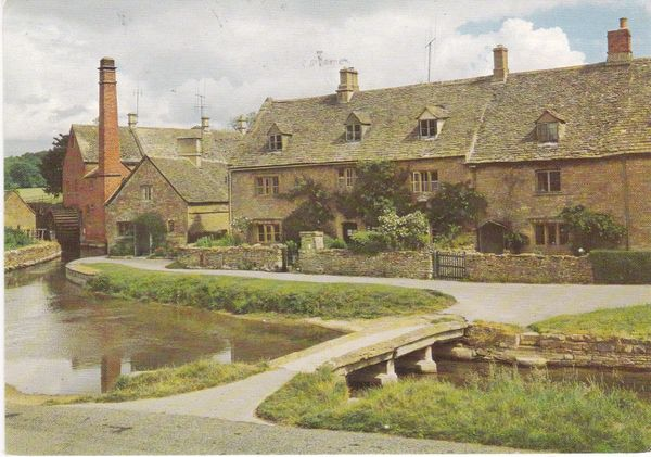 Post Card Gloucestershire LOWER SLAUGHTER Walter Scott CW155