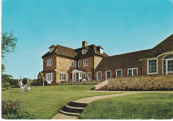 Post Card Hampshire BUCKLER'S HARD The Master Builder's House Hotel Pitkin Pictorial
