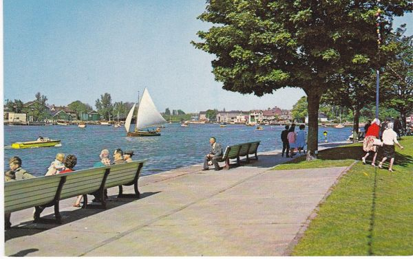 Post Card Suffolk OULTON BROAD PT13307