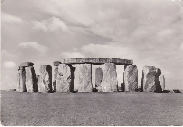 Post Card Wiltshire Salisbury Plain STONEHENGE from the North-East