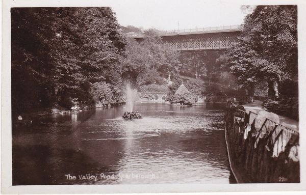 Post Card Yorkshire SCARBOROUGH The Valley Pond