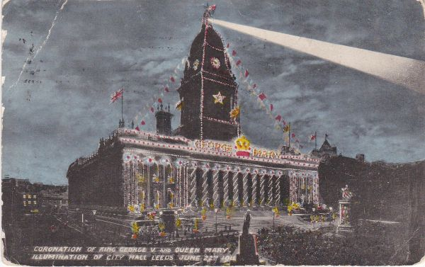 Post Card Yorkshire LEEDS Coronation of King George V and Queen Mary