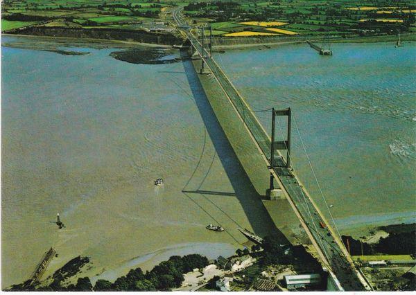 Post Card Gloucestershire THE SEVERN BRIDGE Harvey Barton No. CT 4329 AIRVIEWS LIMITED