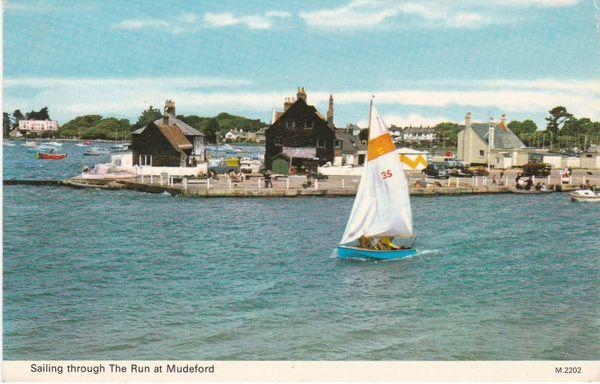 Postcard Dorset MUDEFORD Sailing through the Run at Mudeford Dennis Productions M.2202