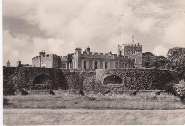 Postcard Kent WALMER CASTLE Vew from the North-east Ministry of Works 3