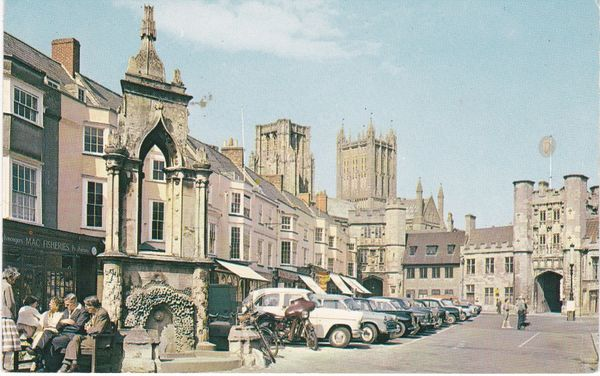 Postcard Somerset WELLS Market Place & Wells Cathedral Plastichrome