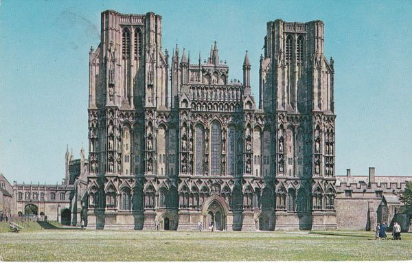 Postcard Somerset WELLS Wells Cathedral Plastichrome